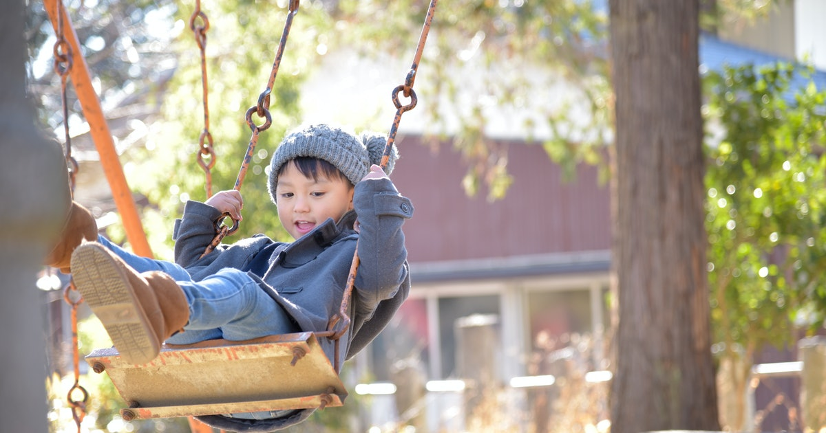 Here Are 5 Things Doctors Really Want Parents To Know About Swings