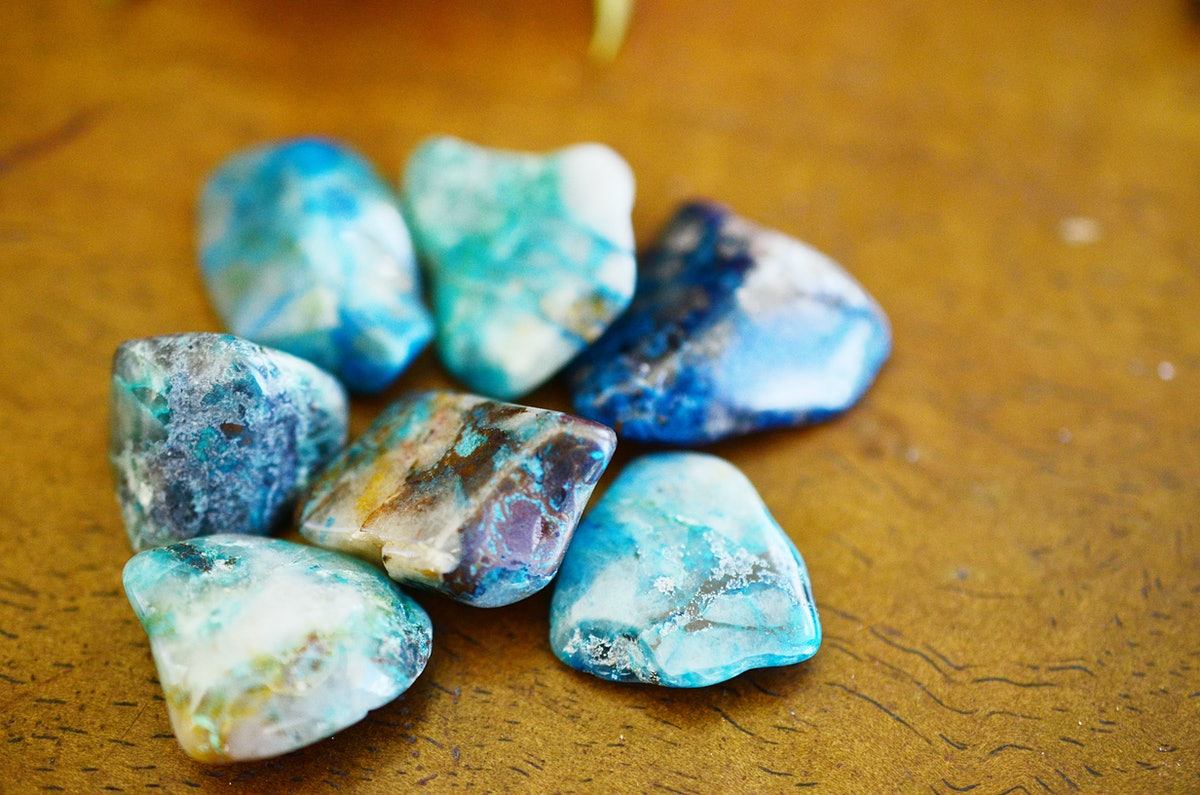 Polished Chrysocolla with Quartz. Healing Crystals for New Beginnings, higher healing stone for mediation and positive thinking. Bright green healing crystal for emotional healing. Handful of crystals