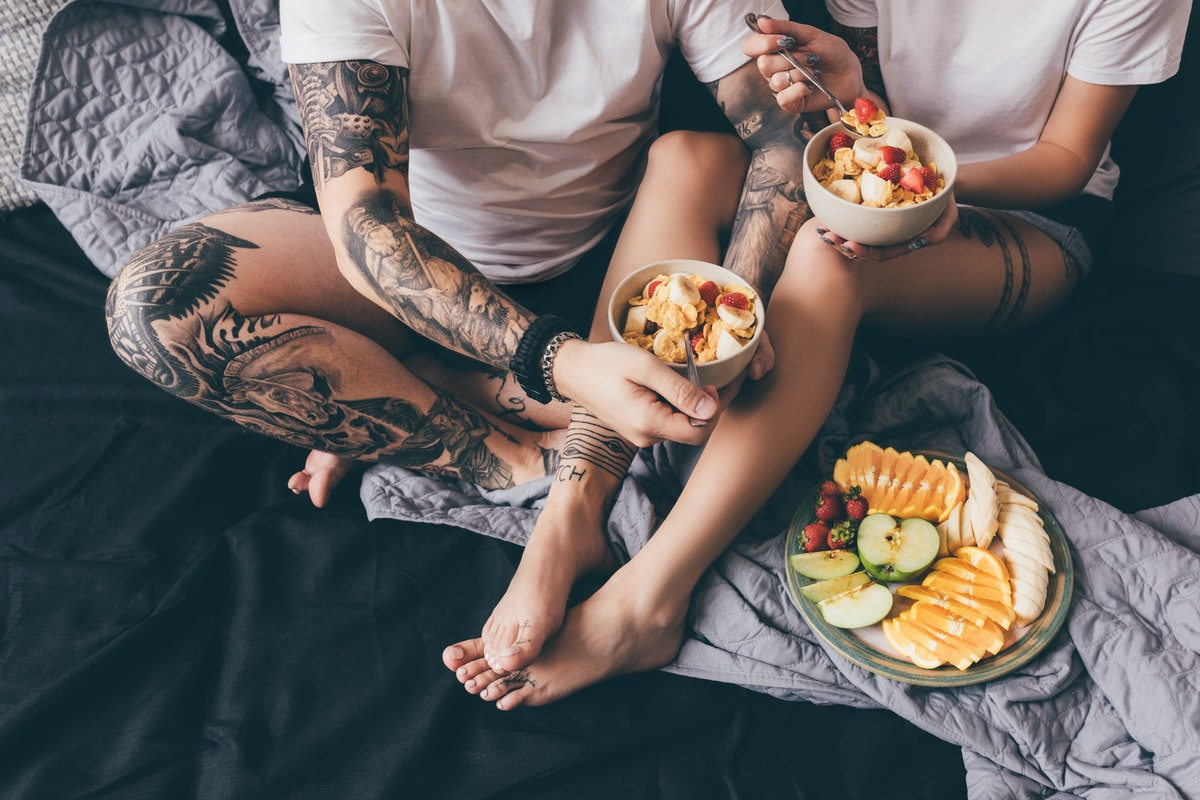 One of the routines to start with your partner while isolating together is Sunday brunch in bed.