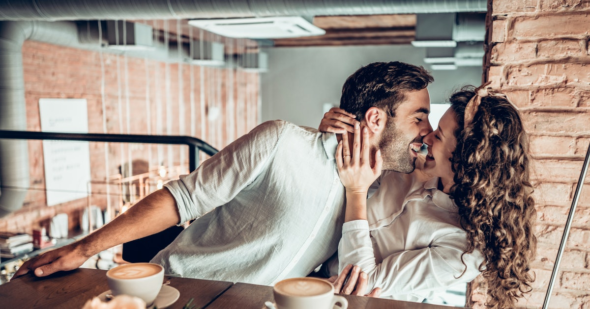 How To Kiss Someone Well, In 8 Tongue-Tying Steps