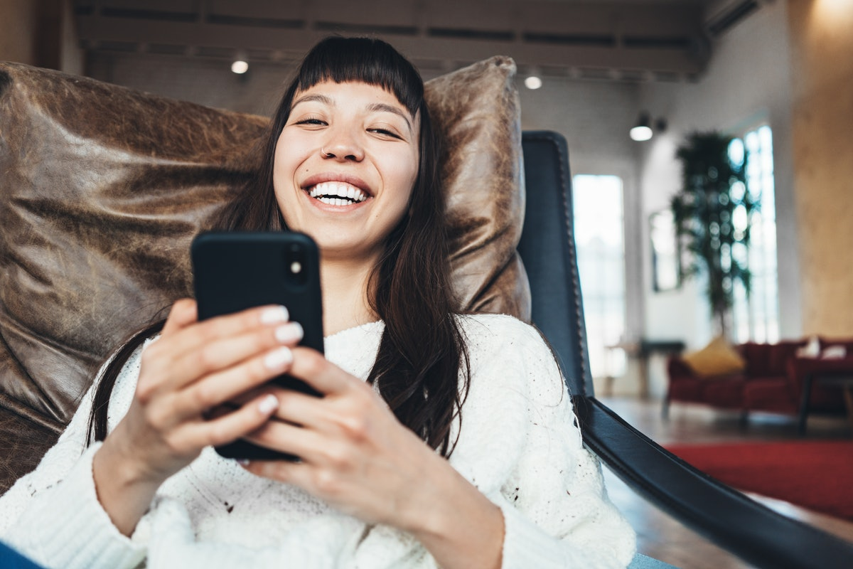 If you're looking into your partner's body language on FaceTime dates, pay attention to whether thei...