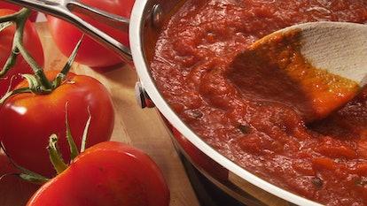 Spaghetti sauce simmering in pan