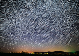 Star trails and traces of planes, starlink satellites and falling stars during the April Lyrids 2020...