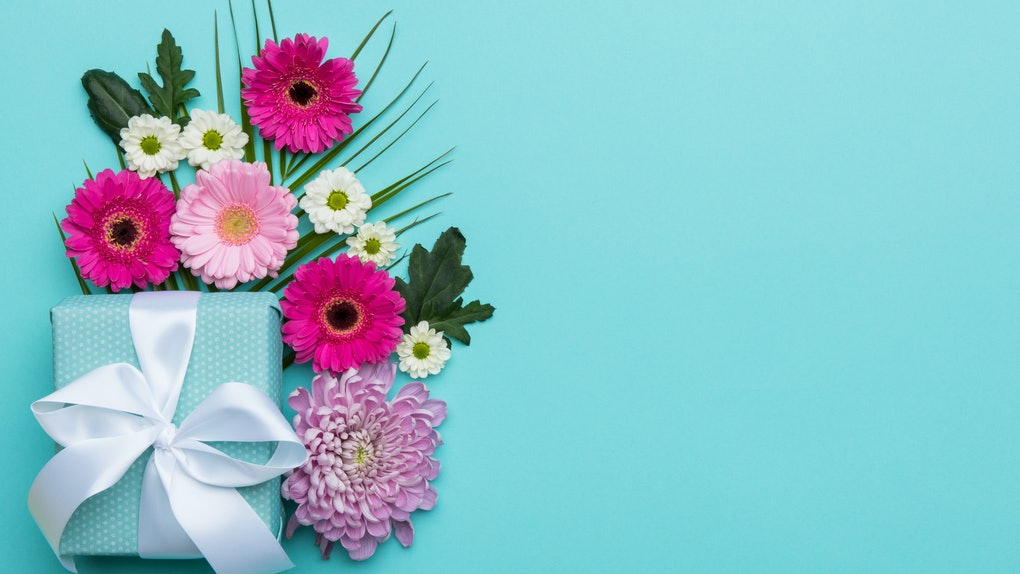 15 Mother's Day Zoom Backgrounds to kick off the holiday