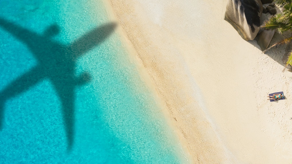 Here's what experts say about flying in the summer during the coronavirus pandemic.
