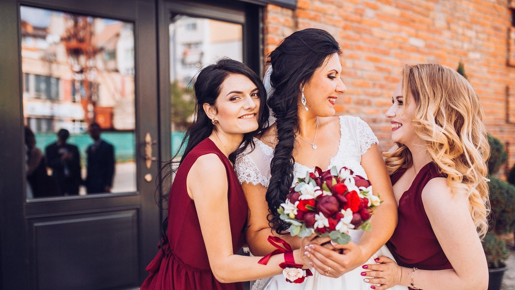 Don't want to attend a wedding during the pandemic? Don't stress — here's how friendship experts say to handle it.