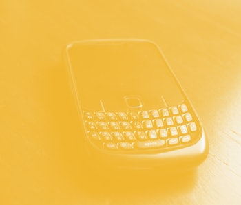A black color Handphone with qwerty keyboard
