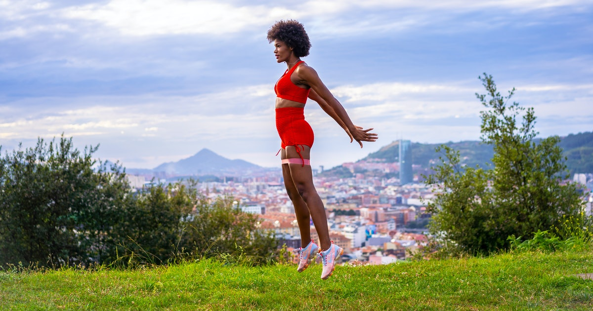 4 Beginner-Friendly Plyometric Workouts That'll Bring On The Burn