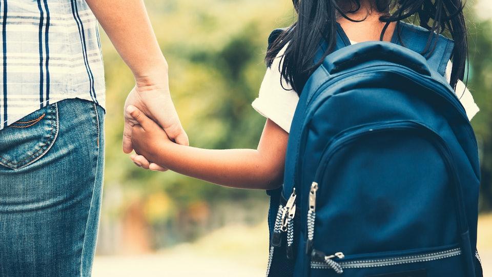does coronavirus live on backpacks?