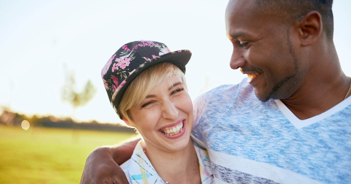 Scientists Pinpointed 3 Signs Someone Is For Sure Flirting With You