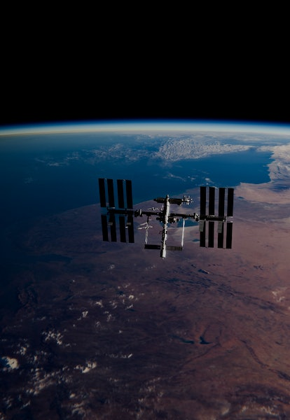 International Space Station (ISS) Orbiting Earth in Space - SpaceX & NASA Research - ISS Satellite S...