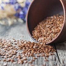 Experts explain the many health benefits of flaxseeds.