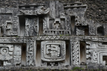mayan scultpure and carvings