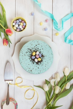 Easter robin's egg cheesecake and spring flowers