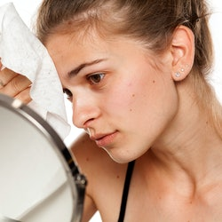 Sometimes, the quest for beauty goes awry. Here's how to remove eyebrow tint, lighten eyebrow tint t...