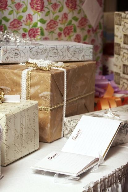 étiquette de cadeau de mariage