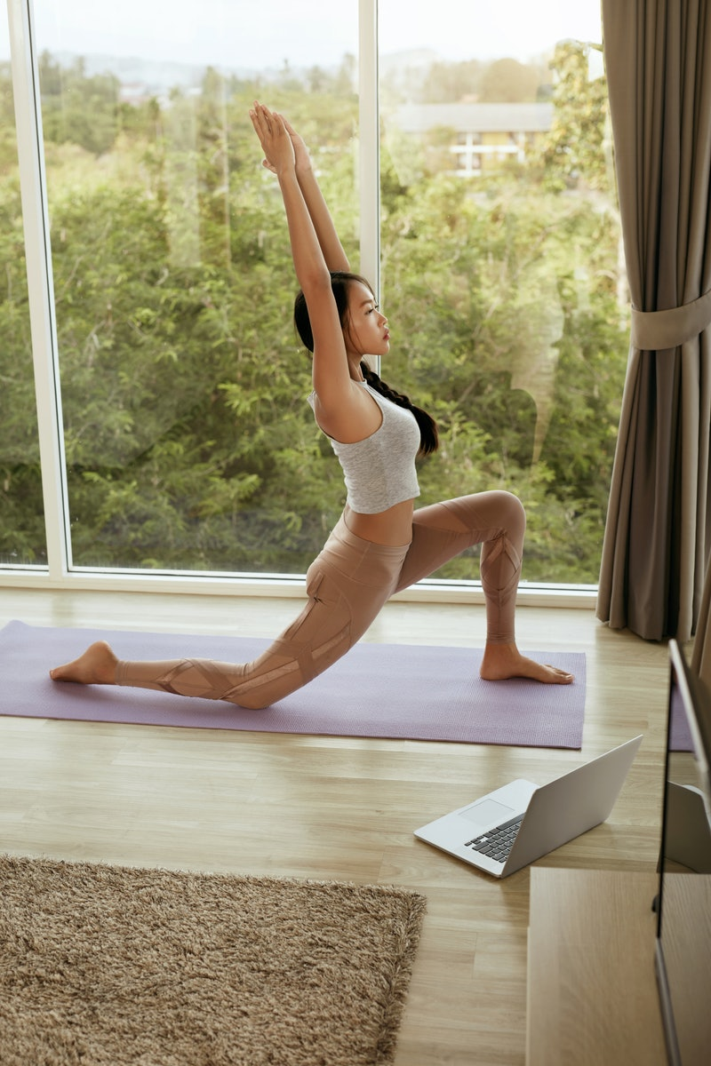 Target your hips with trainers' favorite hip flexor stretches.