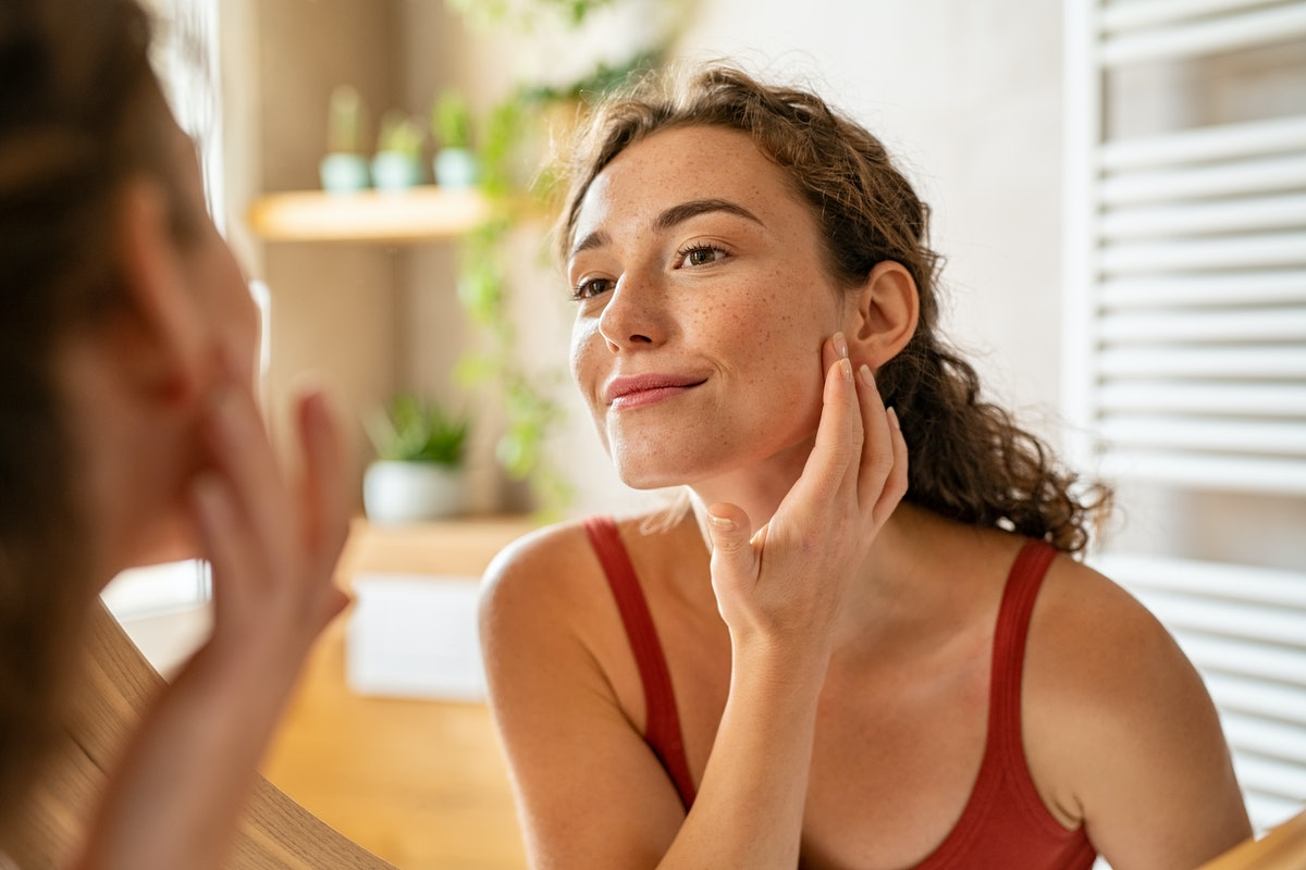 The best primer for acne prone skin is one that protects your skin from breakouts.