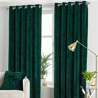Paoletti Verona Crushed Velvet Eyelet Curtains (Emerald Green) (72in x 46in): image 1