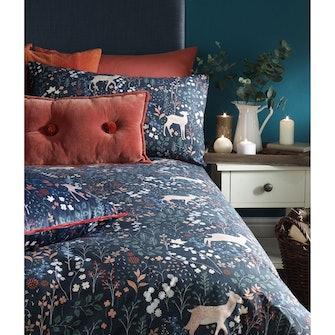 Furn Richmond Duvet Set With Woodland And Botanical Design (Midnight Blue) (Super King): image 1