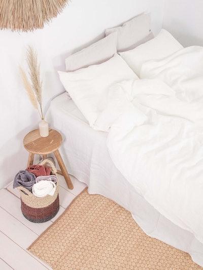 Linen duvet cover in White: image 1