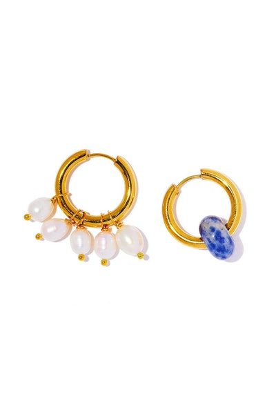 Mismatched Pearl Hoop Earring in Gold