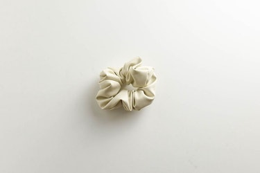 Luxe Vegan Leather Scrunchie: additional image