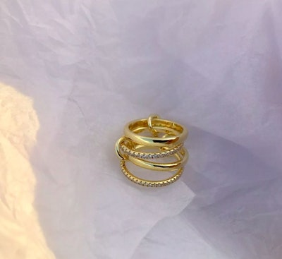 THE ROSELINE RING: image 1