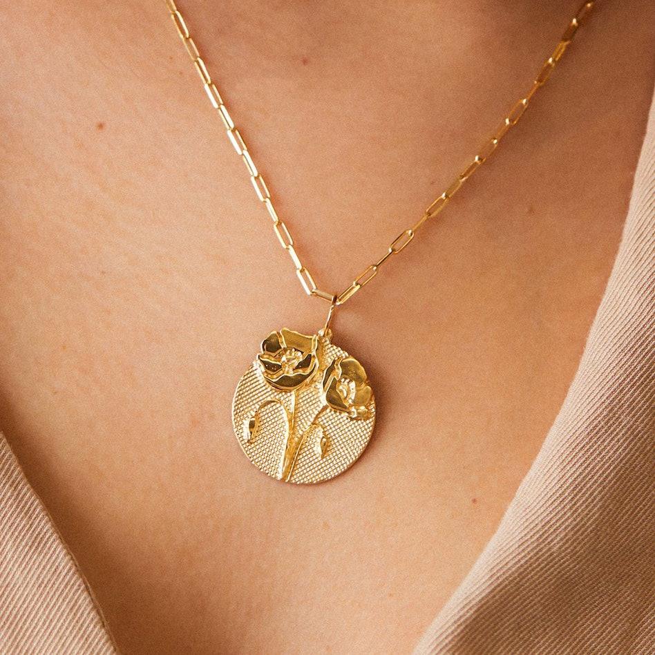 Bold Flower Necklace: additional image