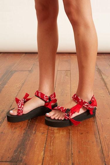 Trekky Platform Sandal in Red: image 1