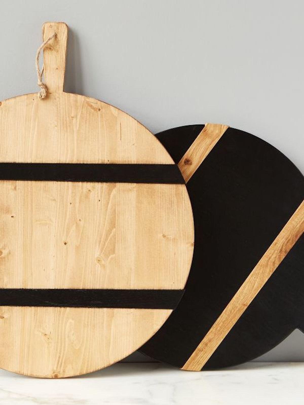 Black Round Mod Charcuterie Board, Medium: image 1