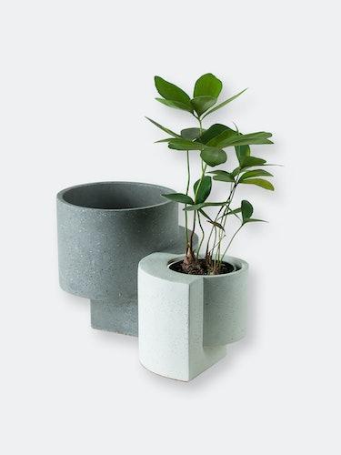 Platform Planters, Yin Yang Planter Set (One Medium Graphite and One Small White): image 1