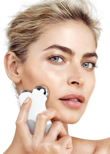 Mini Facial Toning Device: image 1
