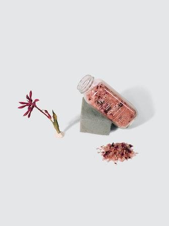 Rose & Coconut Milk Soothe Bath Soak: image 1