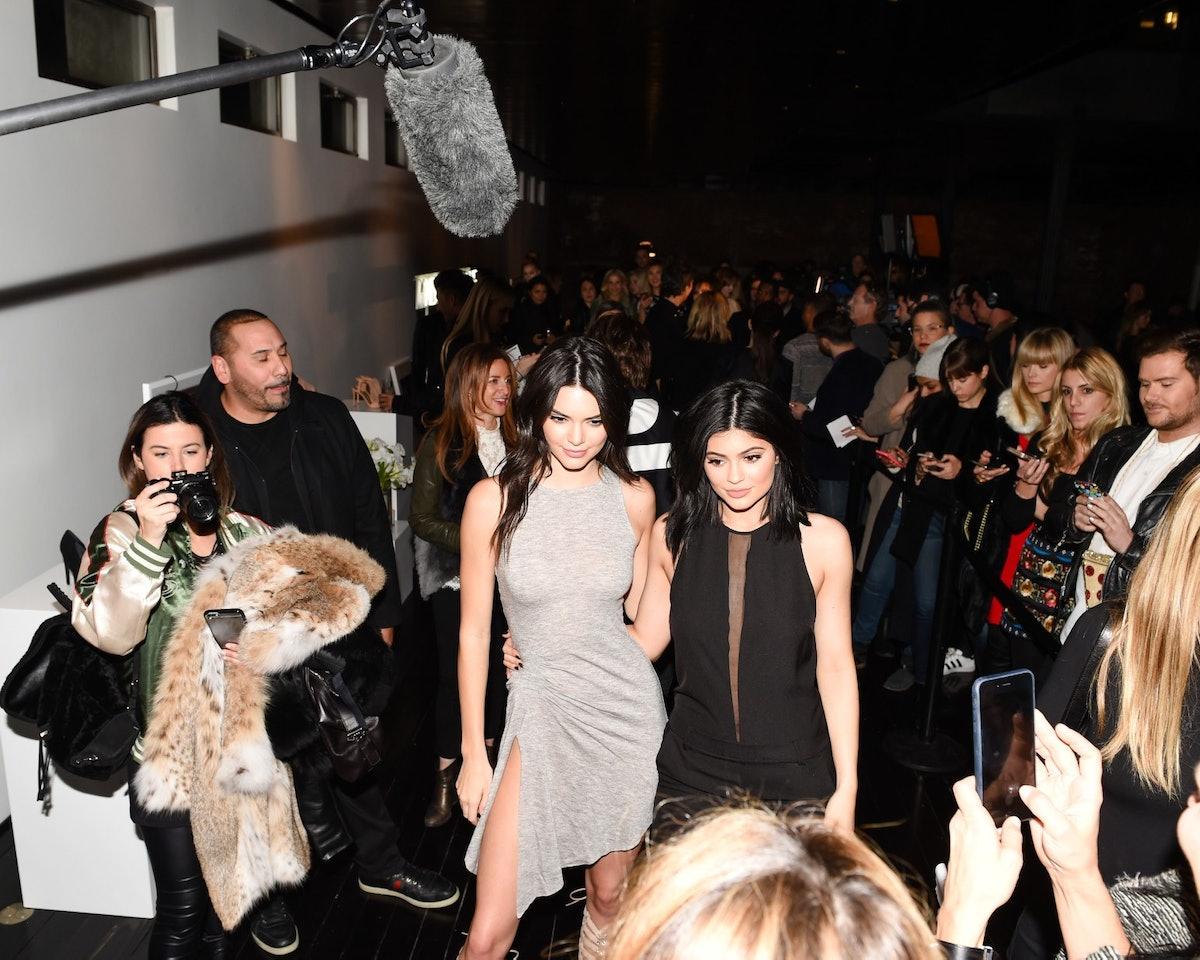 Kendall-Jenner-+-Kylie-Jenner-1-1542x1233.jpg