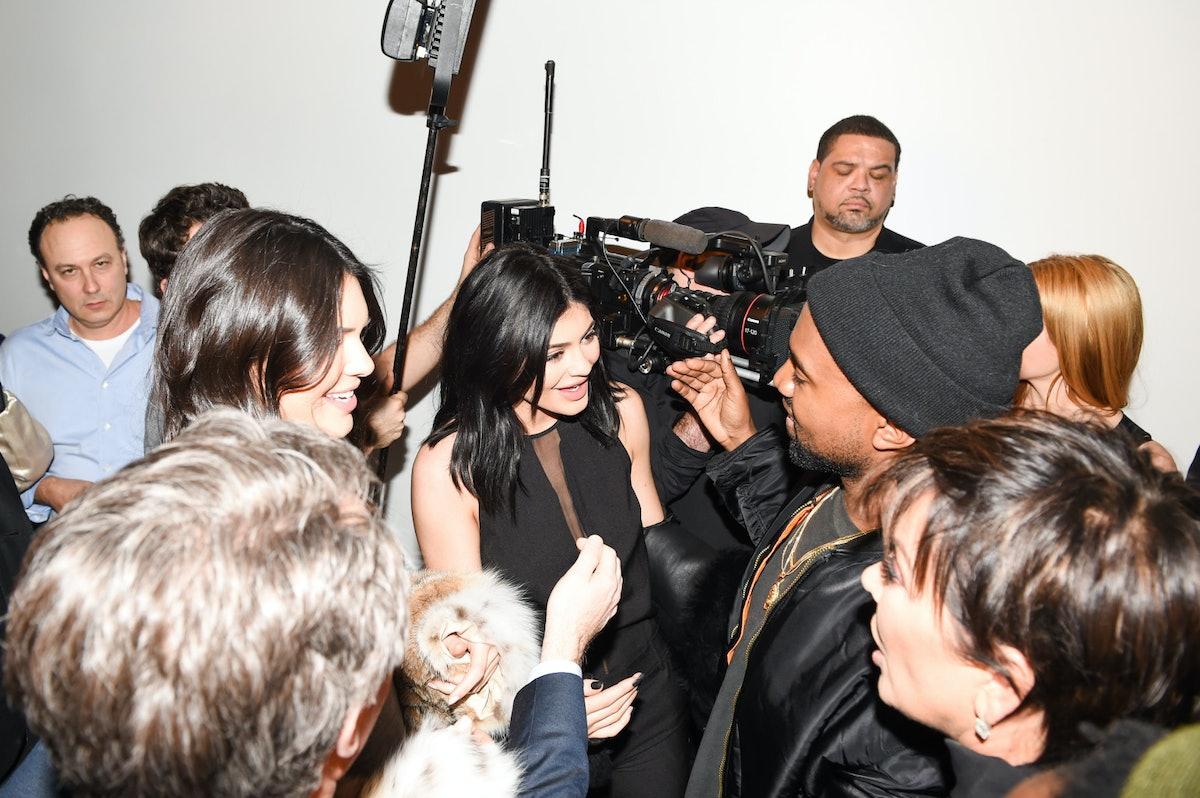 Kendall-Jenner-Kylie-Jenner-Kanye-West-Kris-Jenner-1542x1026.jpg