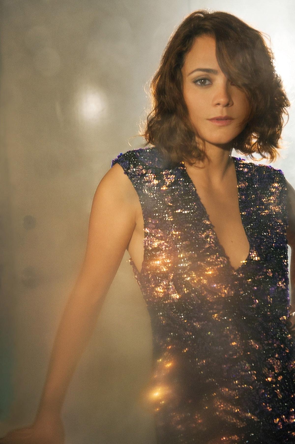 cear-alice-braga-brazilian-actress-e1376516179826.jpg