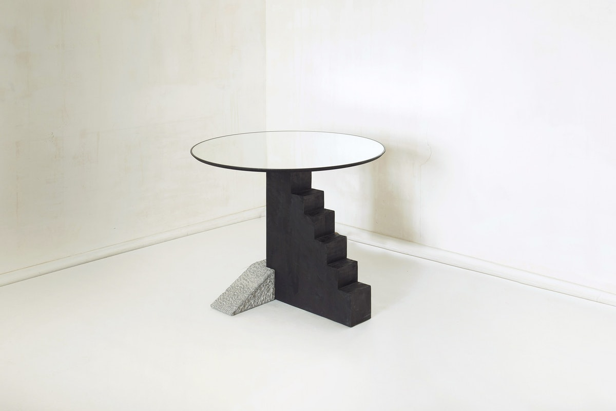 round staircase table 002.jpg