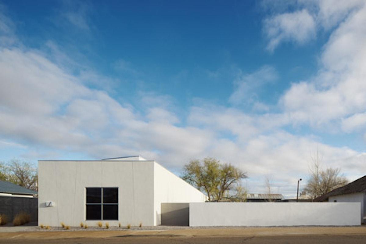 Inde-Jacobs-Marfa-gallery-building-by-Claesson-Koivisto-Rune-Architects_dezeen_468_13.jpg