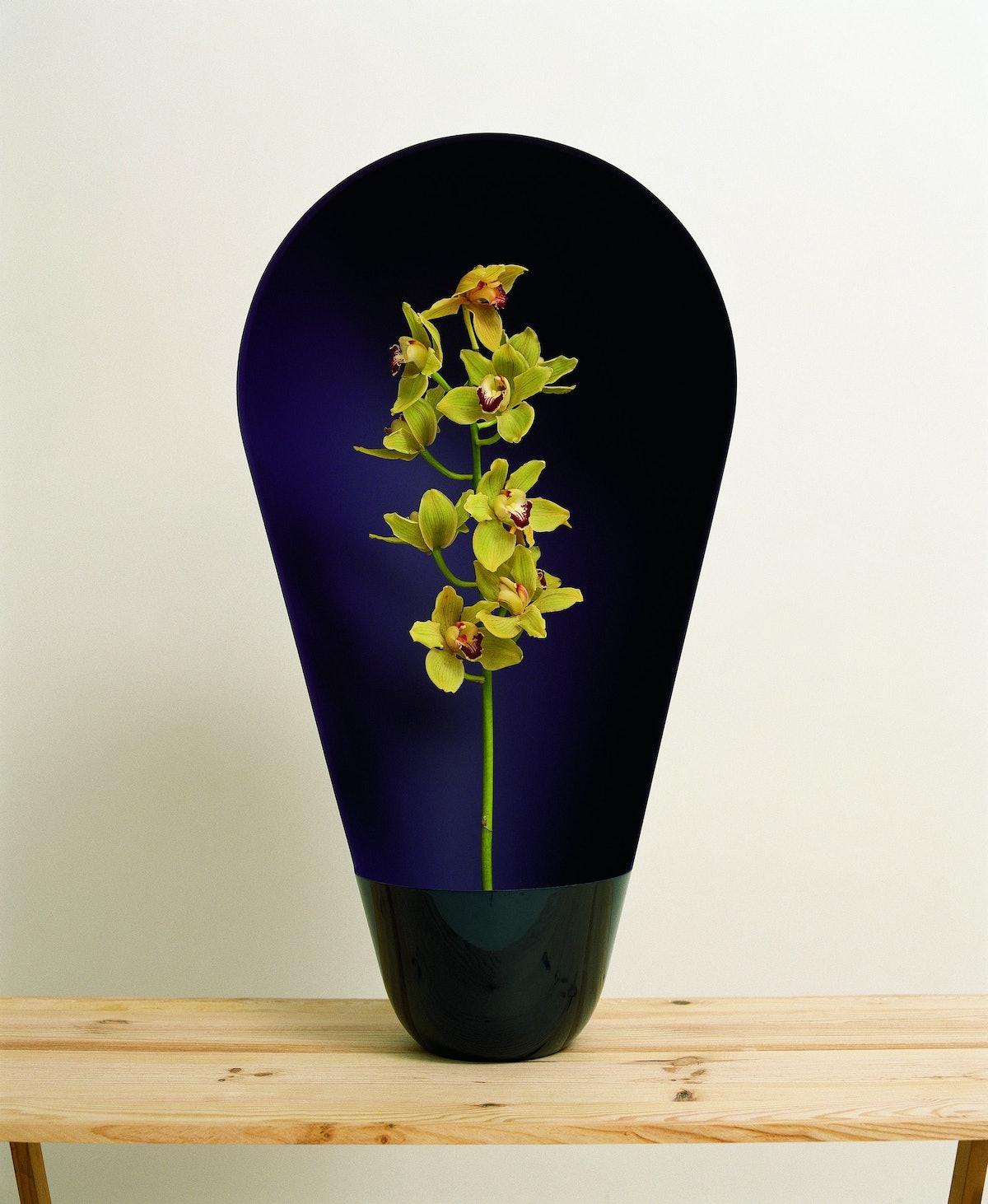 "Vase ""Honda"" - Ronan & Erwan Bouroullec © Morgane LE GALL_ Courtesy Galerie kreo.jpg"