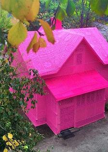 olek-pink-house-crochet-designboom-02.jpg