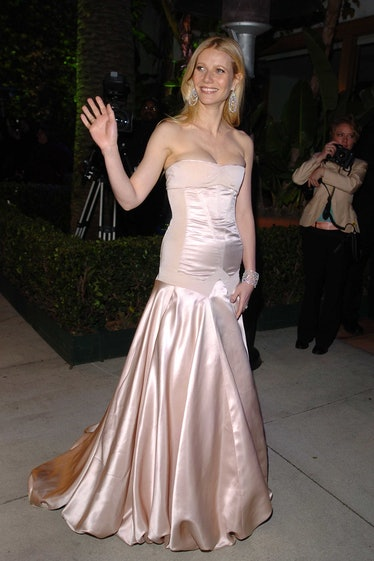Gwyneth Paltrow during The 77th Annual Academy Awards - Arrivals at Kodak Theatre in Hollywood, Cali...