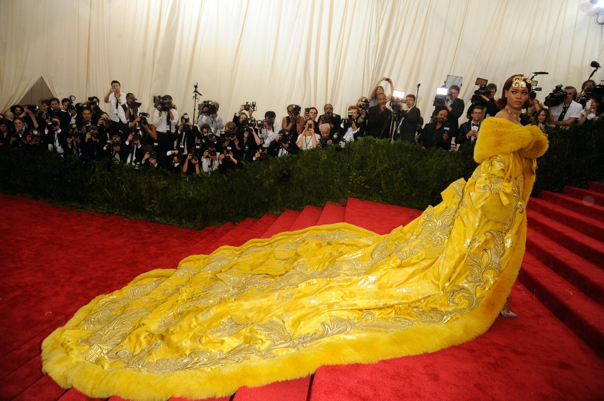 Rihanna-Met-Gala-2015-1542x1025.jpg