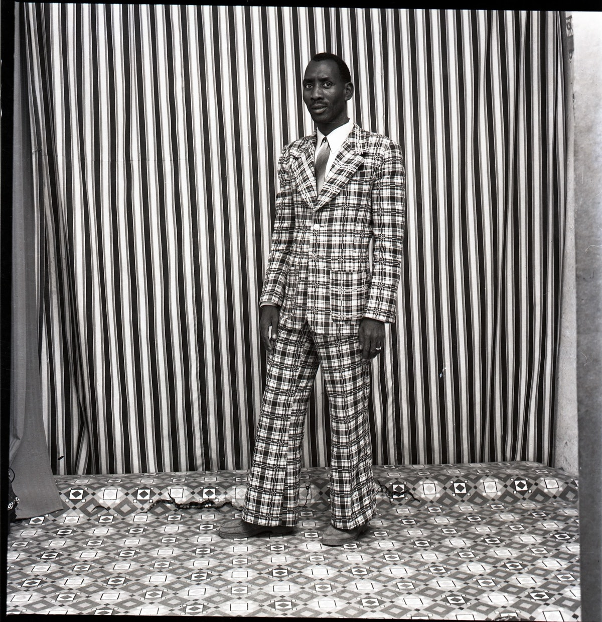 A moi seul, 1978 (c) Malick Sidibé. Courtesy Galerie MAGNIN-A, Paris.jpg