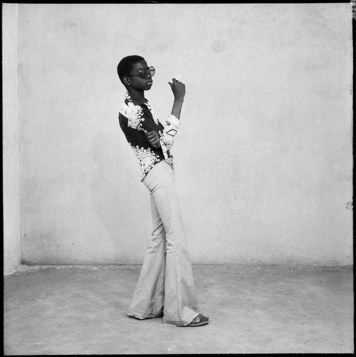 Malick Sidibé, Un Yé-yé en position, 1963.jpg