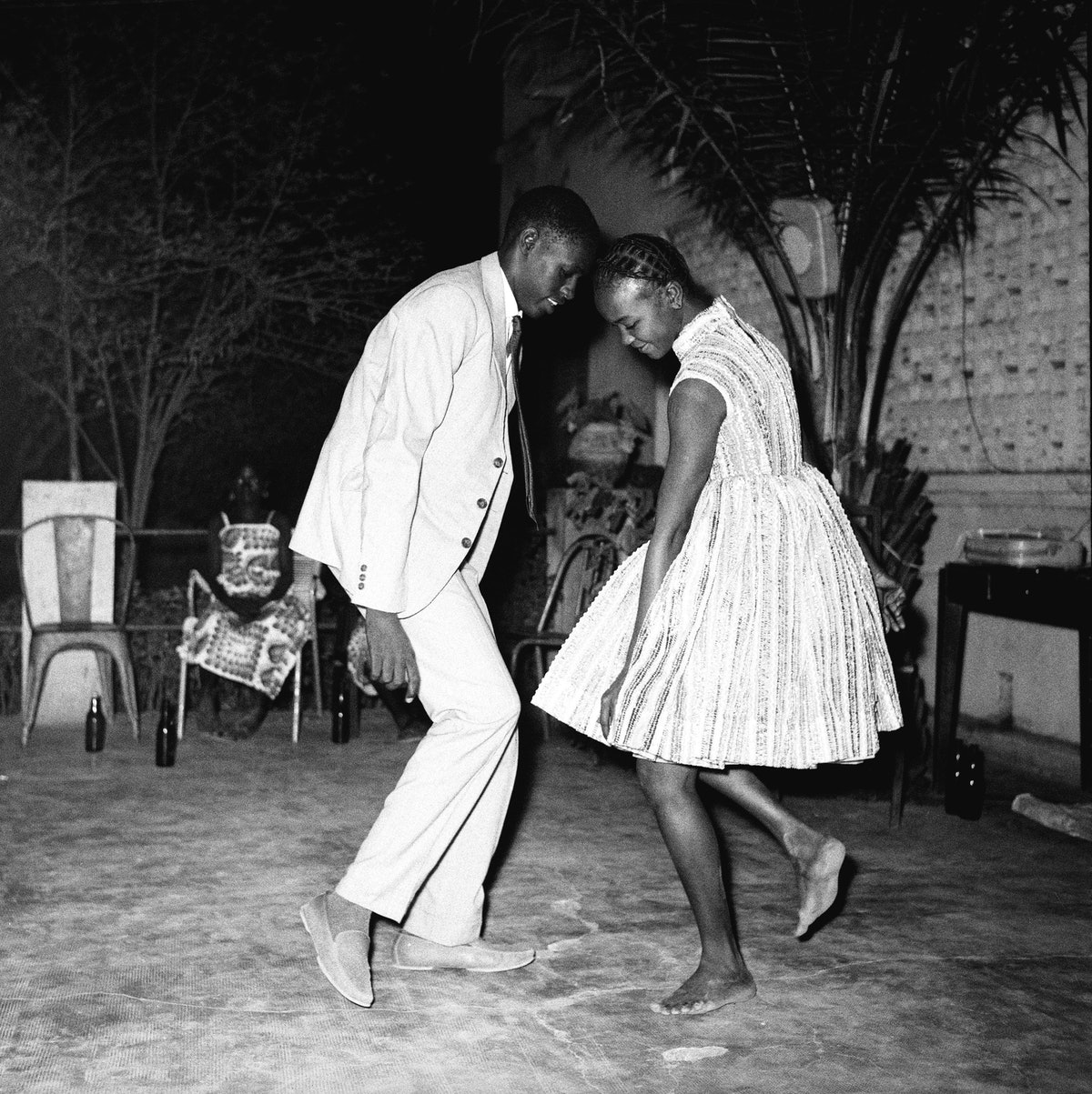 Nuit de Noël (Happy Club), 1963 (c) Malick Sidibé. Courtesy Galerie MAGNIN-A, Paris.jpg