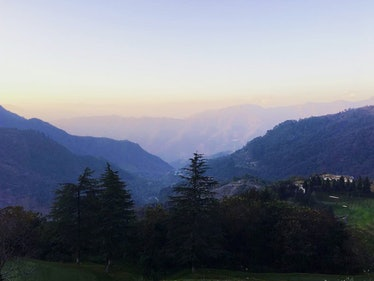 India_Mussoorie_Sunrise_Himalayas.jpg