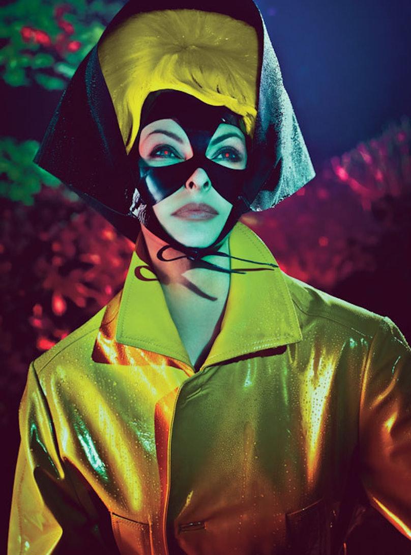 fass-linda-evangelista-steven-klein-superhero-06-l.jpg