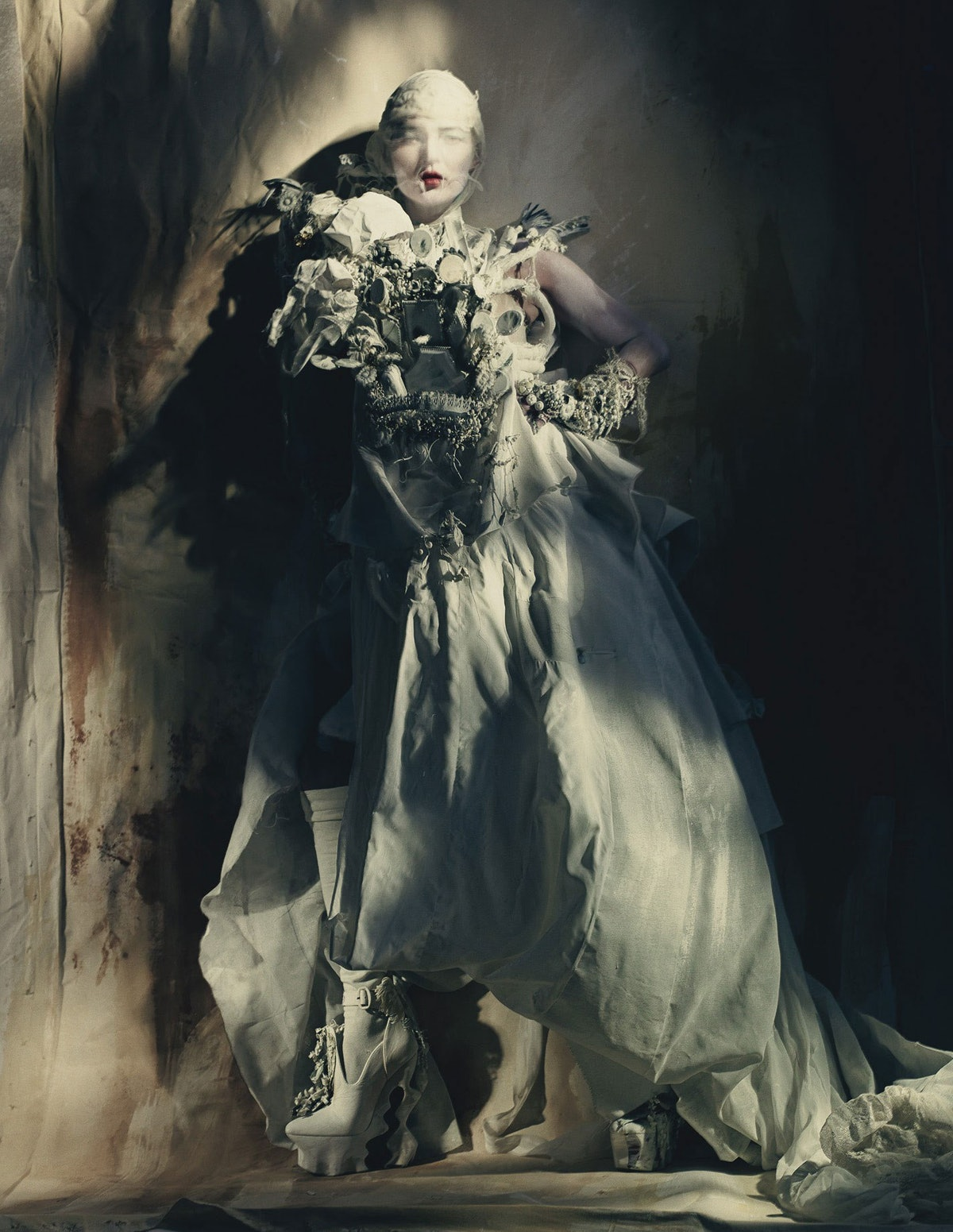 Kate-Moss-Painted-Lady-Paolo-Roversi-for-W-Magazine-2.jpg