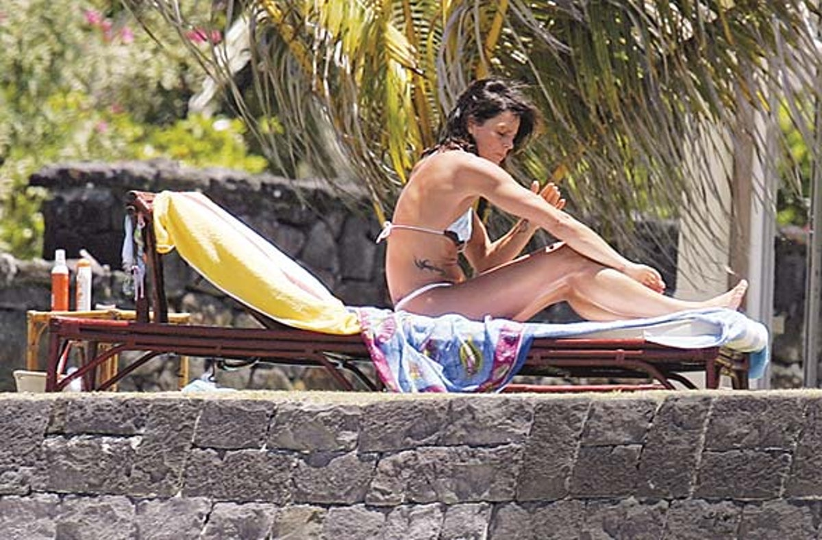cess_party_vacations_08_h.jpg